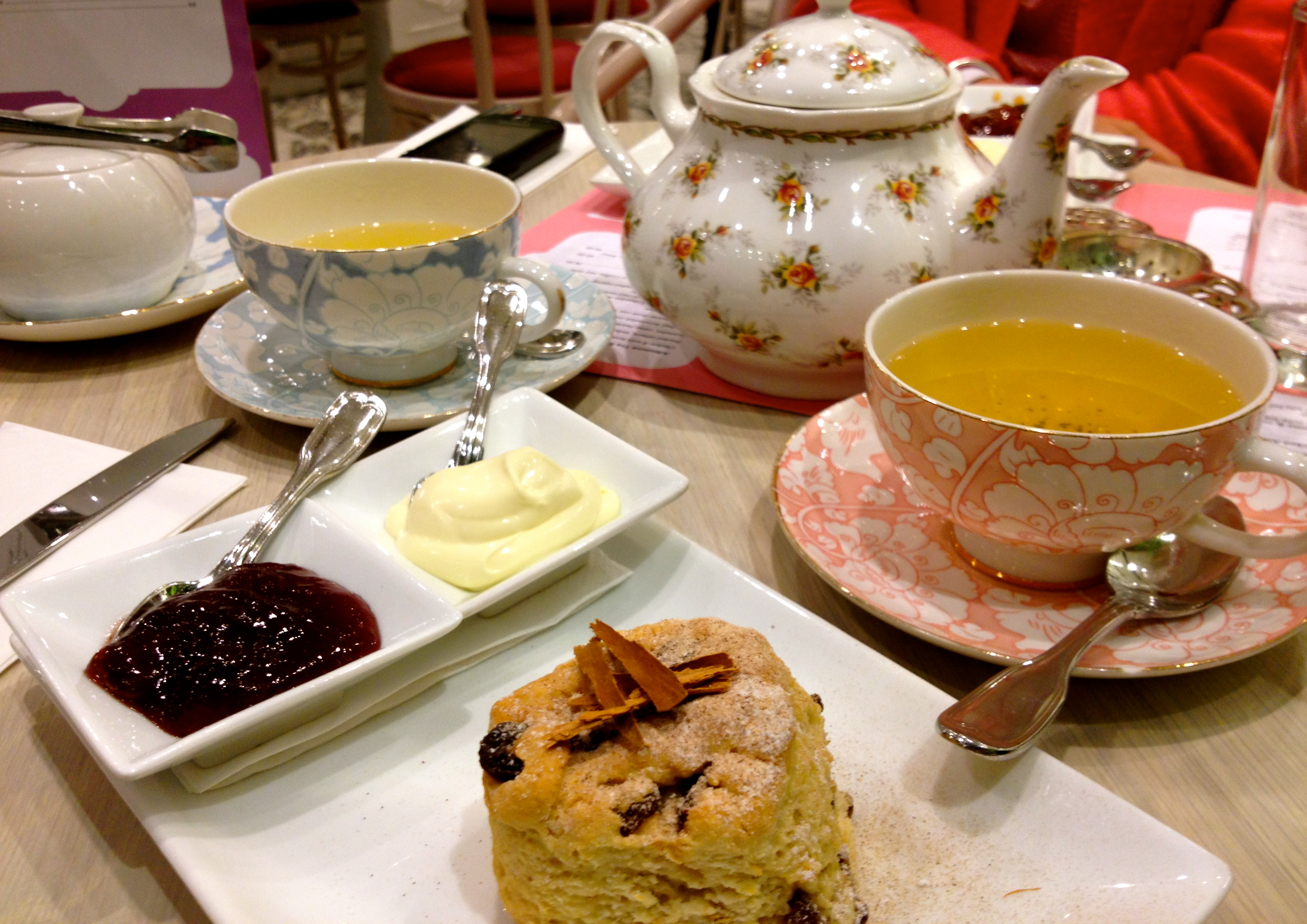 The history of the devonshire tea the devonshire tea guide for The devonshire